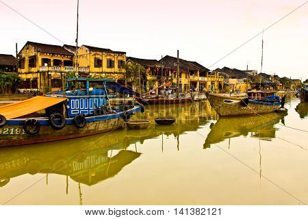 The historic center of Ho AIn counts in Vietnam for preserving and most beautiful in the country .