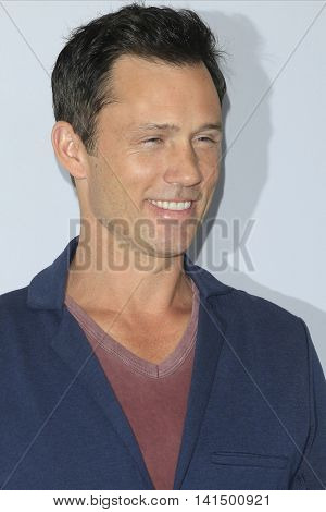 BEVERLY HILLS - AUG 5: Jeffrey Donovan at the HULU Summer Press Tour 2016 at the Beverly Hills Hilton Hotel on August 5, 2016 in Beverly Hills, California