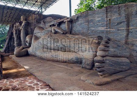Statue Recumbent Buddha Temple