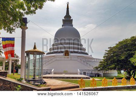 Pagoda White
