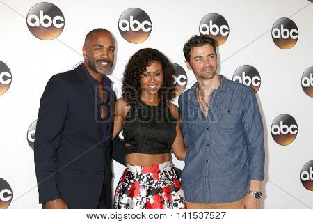 LOS ANGELES - AUG 4:  Donnell Turner, Vinessa Antoine, Matt Cohen at the ABC TCA Summer 2016 Party at the Beverly Hilton Hotel on August 4, 2016 in Beverly Hills, CA