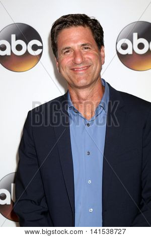LOS ANGELES - AUG 4:  Steve Levitan at the ABC TCA Summer 2016 Party at the Beverly Hilton Hotel on August 4, 2016 in Beverly Hills, CA