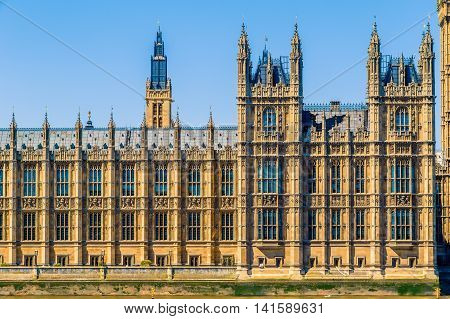 Big Ben And House Of Parliament In London