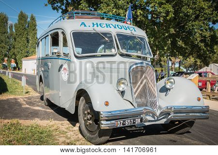 Old Citroen Bus