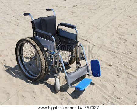Robust Wheelchair Made Of Aluminum With Special Dual Wheels