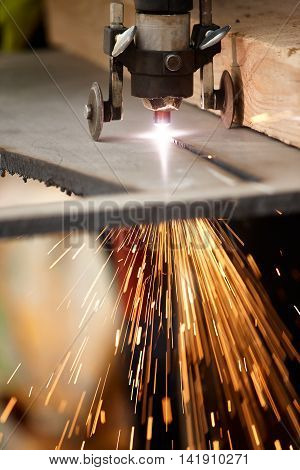 Manual Plasma Cutting Machine on Steel Plate