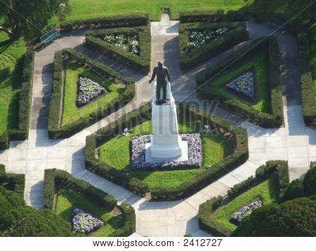 Huey P Long Grave And Gardens