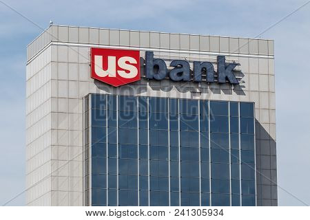 Chicago - Circa May 2018: U.s. Bank And Loan Branch. Us Bank Is Ranked The 5th Largest Bank In The U
