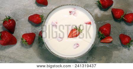 Strawberry Yogurt In Bowl With Fresh Strawberries