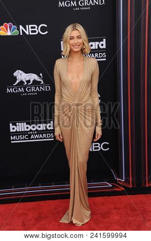 Hailey Baldwin at the 2018 Billboard Music Awards held at the MGM Grand Garden Arena in Las Vegas, USA on May 20, 2018.