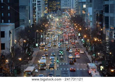 Chicago, Usa - March 15, 2018: End Of Day Traffic On South Michigan Avenue In The City Of Chicago