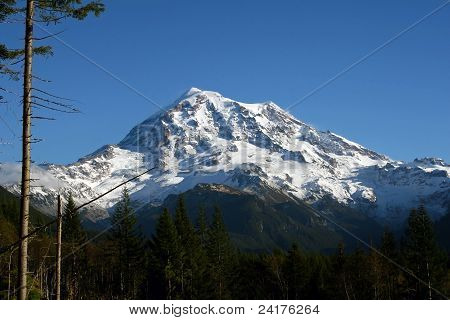 Mt Ranier on a Clear Day