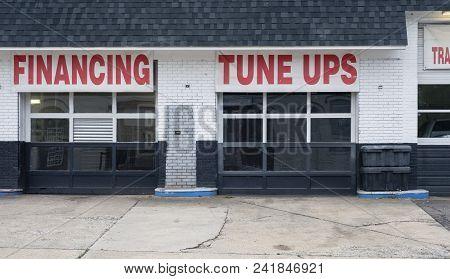 Auto Repair Shop Bays Shade Tree Mechanic Deals Financing Tune Ups Deal