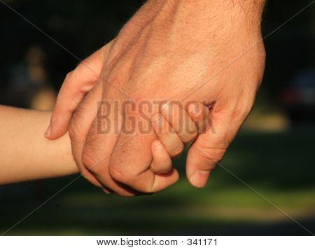 Vater und Sohn Hände