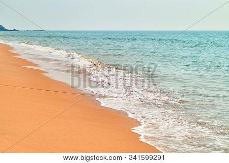 Keri Beach (querim Beach) Arambol. Indian Ocean.