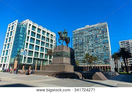 Montevideo Uruguay 15 Of Jul. 2019. Statue Of General Artigas In Plaza Independencia, Montevideo, Ur