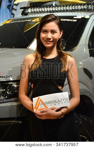 Pasay, Ph - Nov. 16: Absolute Autoworks Female Model At Manila Auto Salon On November 16, 2019 In Sm