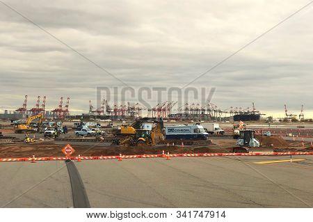 Newark, Nj - Oct 28, 2019:  Construction Adjacent To The Runways At Newark International Airport Is