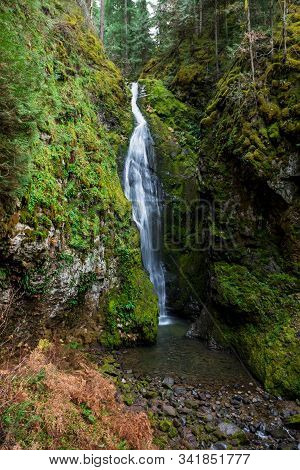 Pinard Falls Umpqua National Forest In Oregon