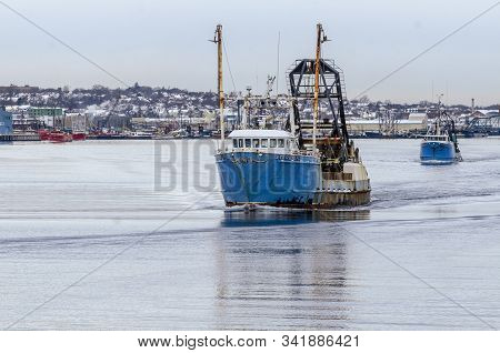 New Bedford, Massachusetts, Usa - December 4, 2019: Clammers Starlight And Timberline I Cross New Be