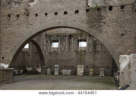 Mausoleo Di Cecelia Metella - Inside - In Via Appia Antica At Rome - Italy