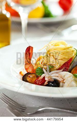 Seafood Spaghetti with Tiger Prawns, Scallops, Mussels, Calamari, Salmon and Tomato Sauce
