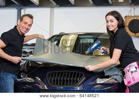 Car Wrappers Wrapping Vehicle With Vinyl Film Or Foil