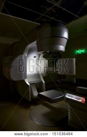 Linear accelerator x-ray machine