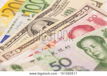 Chinese yuan European euro notes and American dollars