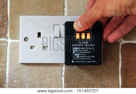 Uk 13 Amp Socket Tester Showing Plug Working Correctly