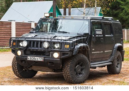 Black Hummer H2 Vehicle Stands