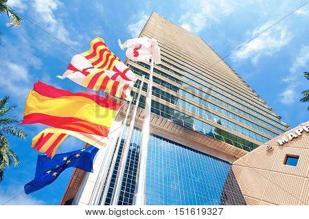 Barcellona Agosto 2013 grattacelo di importanza finanziaria.
