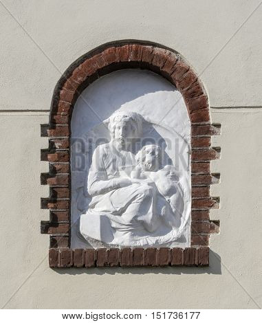 bas relief representing the Virgin Mary and little Jesus