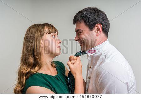 Aggressive Woman Attacks Her Unfaithful Husband