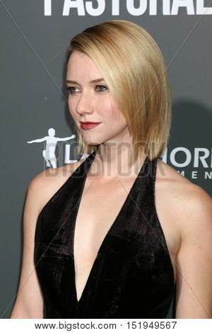LOS ANGELES - OCT 13:  Valorie Curry at the