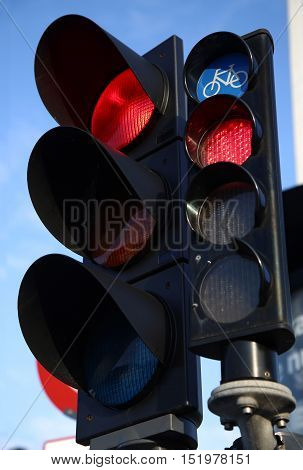 Car and bycicle semaphore on a traffic light