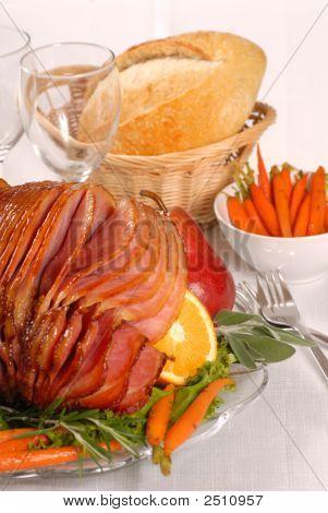 Honey And Brown Sugar Glazed Easter Ham