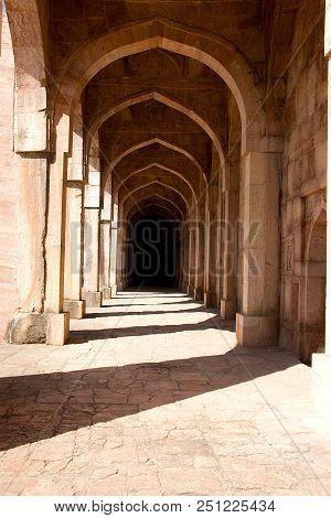 Arched Corridor At Jami Masjid In Morning Sunlight, Mandu, Madhya Pradesh, India, Asia