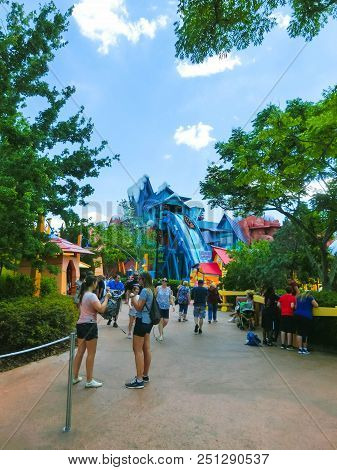 Orlando, Florida, Usa - May 09, 2018: The People Resting At Ride Toon Lagoon. Islands Of Adventure O