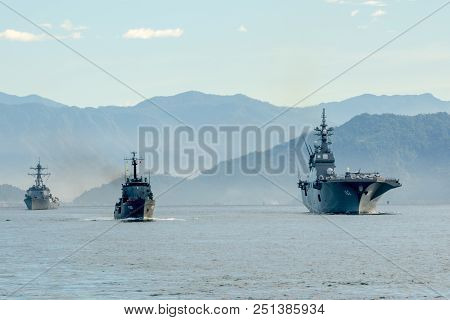 Padang,indonesia-april 16,2016 : Slns Samudura (p621) Sri Lanka Ship, Js (ddh-182) Ise Japanese Ship
