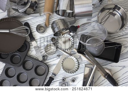 Kitchen Tools. Cooking Utensils For Baking. Various Shape And Size Container For Baking Use. Assorte