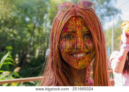 Eskİsehİr,turkey-october 1,2016:attender Is Showing Her Colored Face To The Camera With A Great Plea