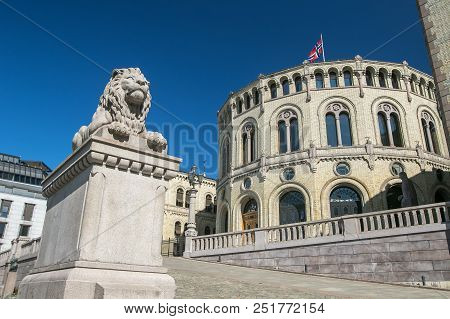 Exterior View Of The Norwegian Parliament. Lion On Pedestal.