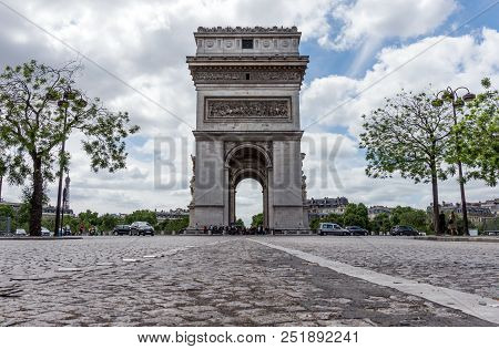 A Low Profile View Leading To The Arc De Triomphe