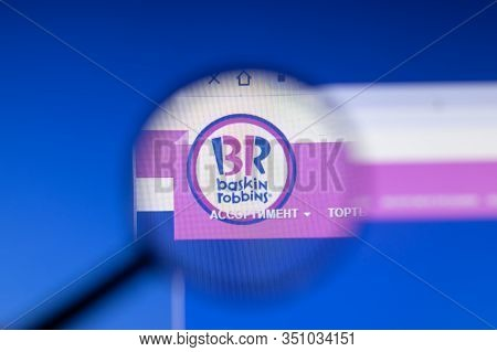 Saint-petersburg, Russia - 18 February 2020: Baskin-robbins Company Website Page Logo On Laptop Disp