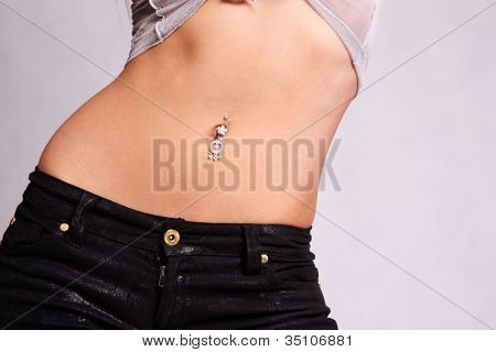 piercing in the navel