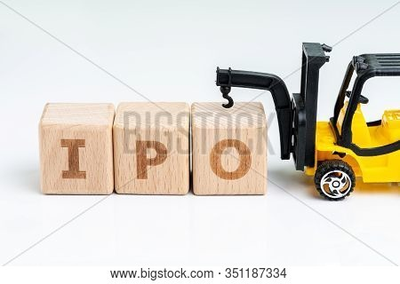 Initial Public Offerings, Company Going Public In Stock Market, Cube Wooden Block With Alphabets Com