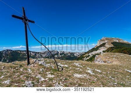 Col De Bataille, Ombleze, France. View On The Plateau Of Tete De La Dame.