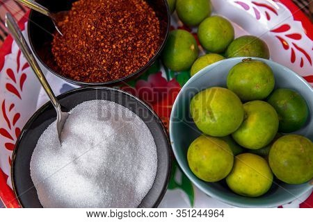 Food Flavoring Concept. Sugar , Cayenne Pepper, Vinegar And Chili Paste In Small Bowl For Food Flavo