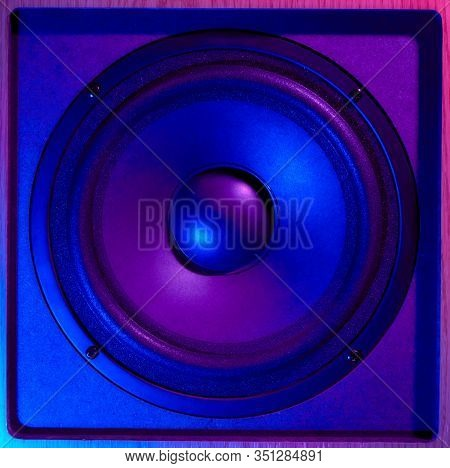 Retro Wave From 80s. Frontal Image Audio Speaker With Neon Light. Synthwave And Vaporwave Concept.